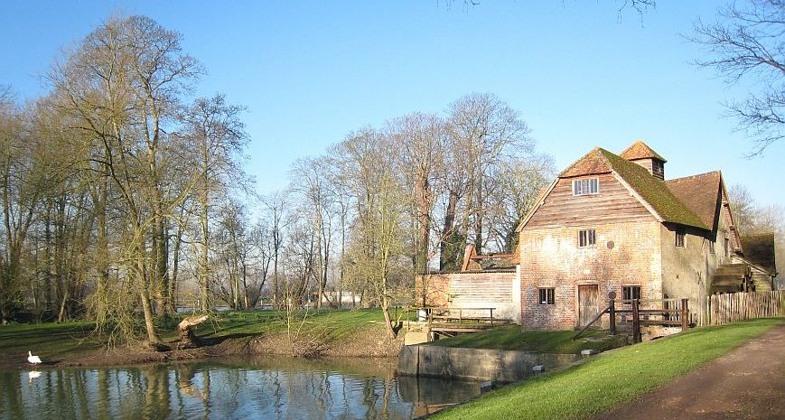 UK Mapledurham Watermill 1